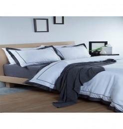 Parure de lit bleue foncée...