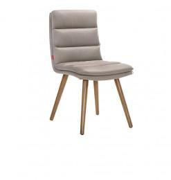 Chaise en cuir pied en bois